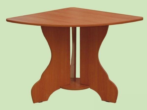 Стол треугольный
